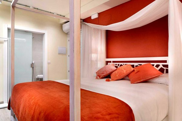 living-coral-2-habitacion-pension-plaza-nueva-bilbao